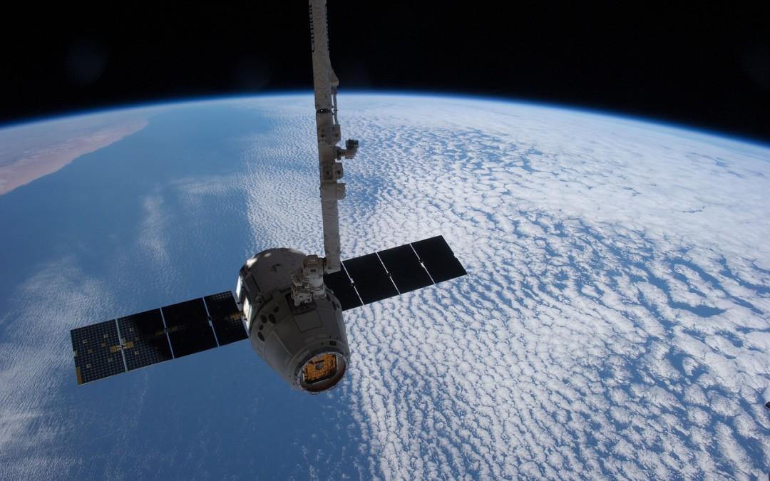 satellite-693280_1280-1080x675